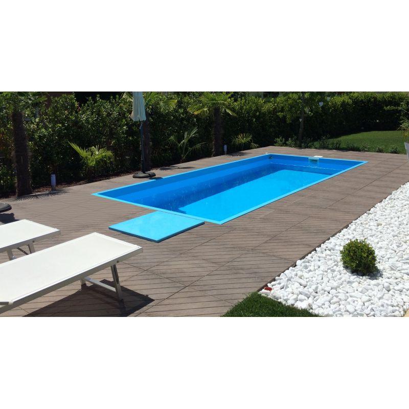 Piscina in polipropilene a skimmer completa di locale tecnico - Prezzo piscina interrata ...