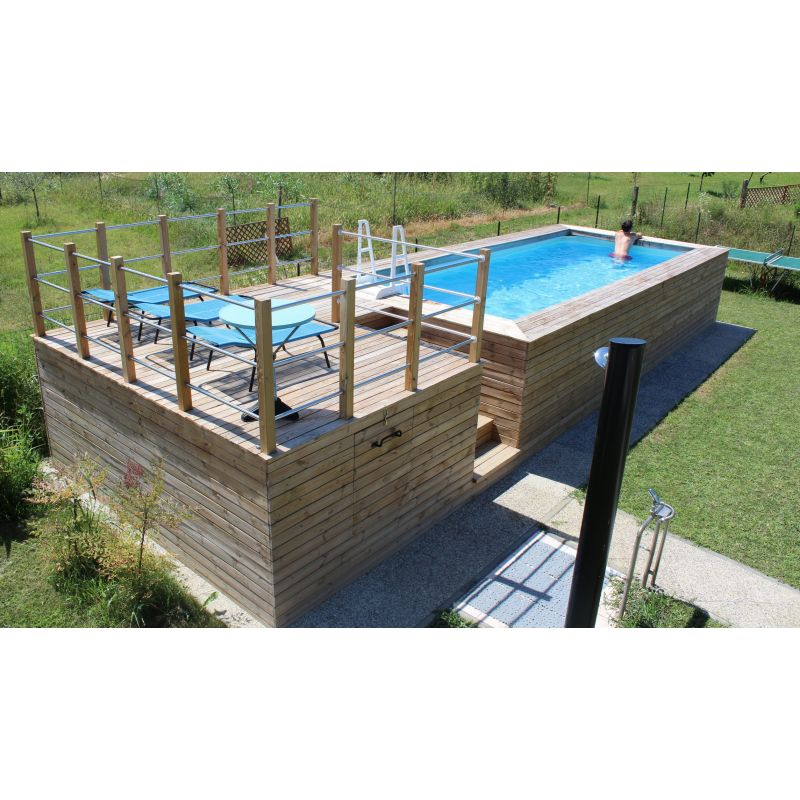 Piscina fuori terra con soppalco rivestita in legno di abete for Prodotti per piscina prezzi