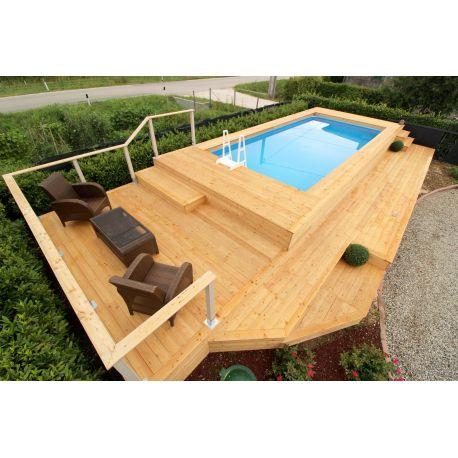 Piscina fuori terra con gradinate e soppalco in legno di larice