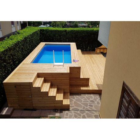 Piscina fuori terra con gradinate in legno di larice
