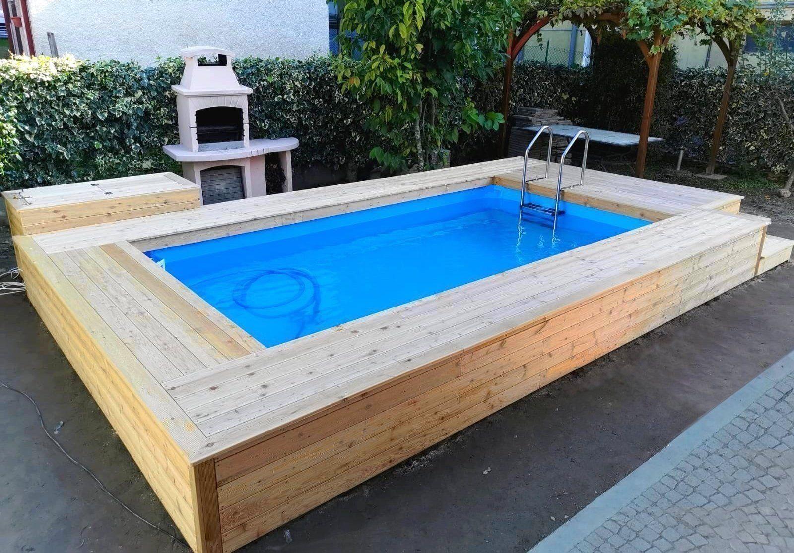 Piscine Da Esterno Rivestite In Legno piscina semi interrata con rivestimento e locale tecnico in