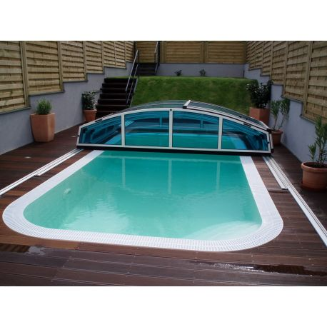 Piscina a sfioro interrata 300x300 cm