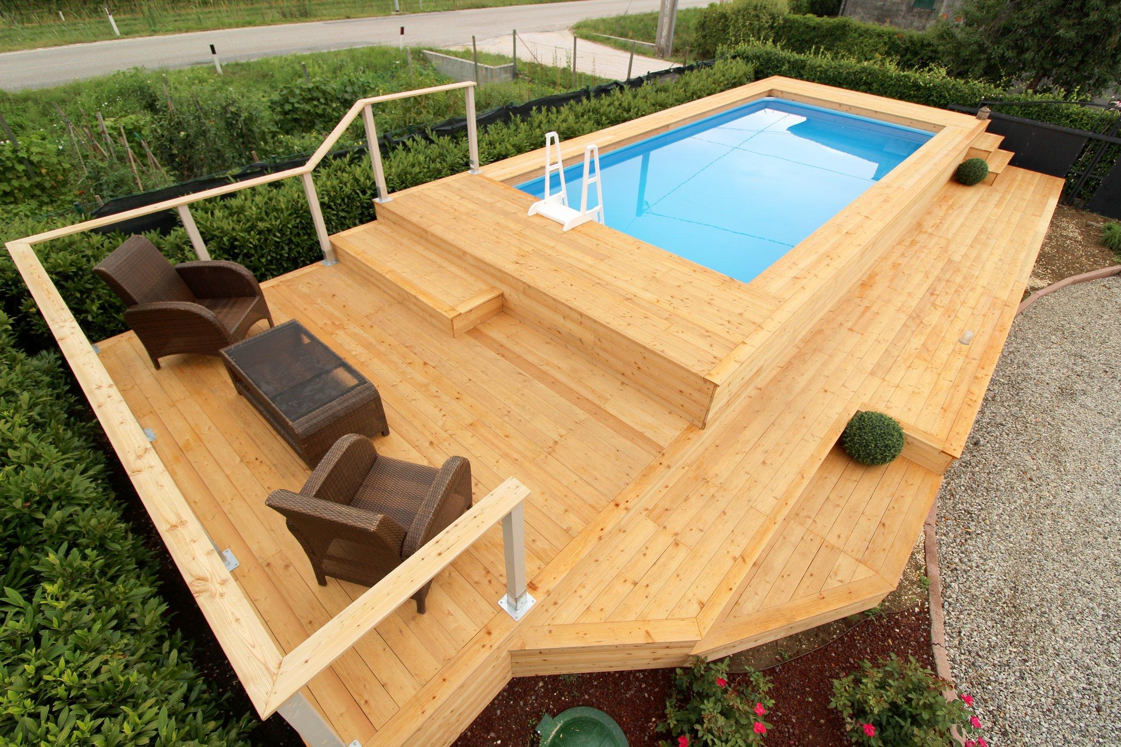 Piscina fuori terra su misura e personalizzata in legno di for Aspiratore per piscina fai da te